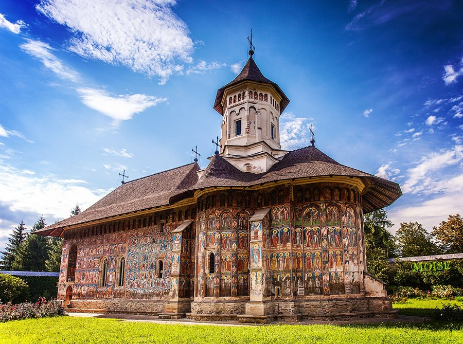 {'en': 'Churches of Moldavia'}